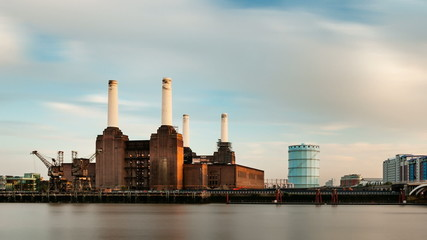 Battersea Power Station Long Exposure Time Lapse, London