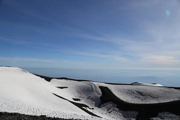 Erloschene Krater am Gipfel des Ätna
