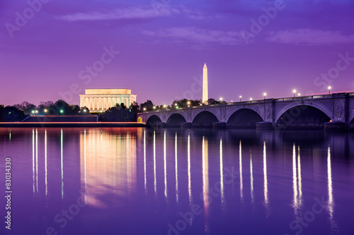 Papiers peints Prune Washington DC Monuments on the Potomac