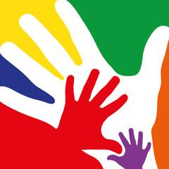 Familie als Konzept mit bunten Händen
