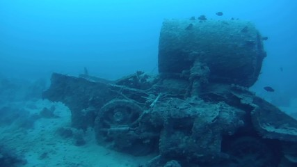 The steam locomoti e crashed on board wreck Thistlegorm