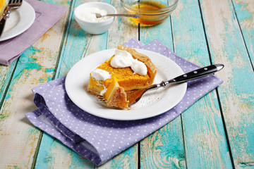 Sweet tart with pumpkin and cream
