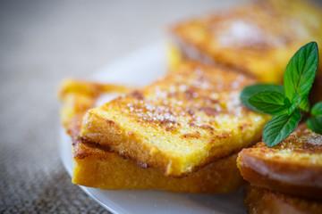 sweet toast fried egg sprinkled