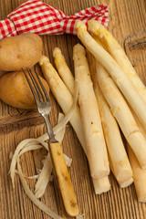Spargel und Kartoffeln