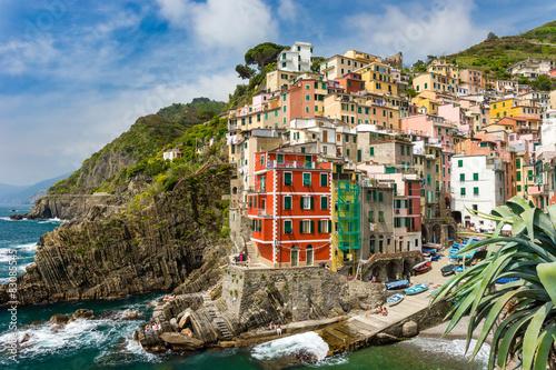 Fototapety, obrazy : Town on the rocks Riomaggiore Liguria Italy