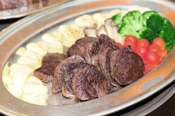 披露宴での,素敵な美味しそうなステーキ