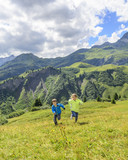 aktive Kids im Gebirge