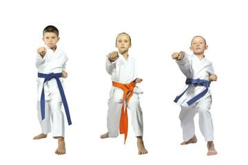 Three little sportsmen beats blow gyaku-tsuki