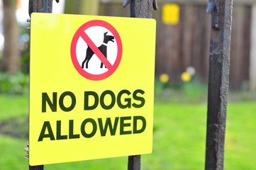 Close up of 'No dogs allowed' sign