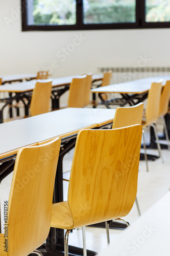 Stampa su Tela Desk and chairs in classroom