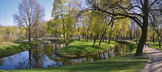Таврический сад весной. Санкт - Петербург.