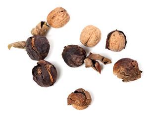 Crude walnuts