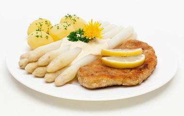 Spargel mit Schnitzel, Salzkartoffeln und Sauce Hollandaise