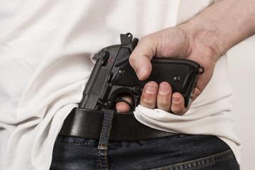 Pistola 04