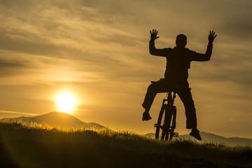 akrobatik bisikletçi silüet