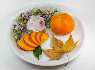 Fruta em prato antigo