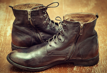 fashion leather men's shoes in vintage style