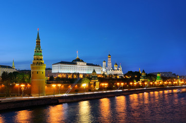 Night view of the Moscow Kremlin and Moscow river
