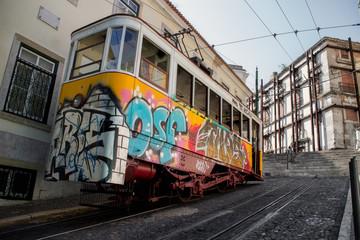 Lissabon historische Straßenbahn lisboa