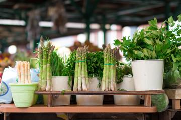Zielone warzywa na targu