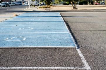 Plazas de aparcamiento para minusvalidos