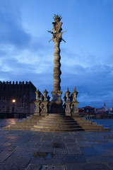 Pillory Twisted Column in Porto by Night