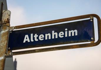 Strassenschild 47 - Altenheim
