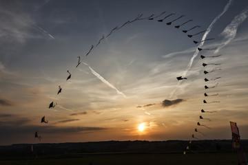 Sonnenuntergang im Mostviertel mit Drachenkette