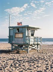 USA, California, Lifeguard hut on sunny beach