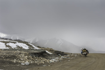 India, Lonely roads on highest motorable road in world