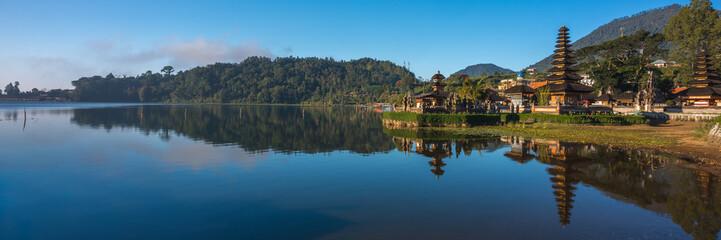 Indonesia, Bali, Panorama reflection of Pura Ulun Danu Bratan