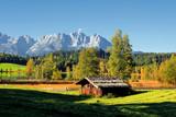 Fototapety Naturjuwel in den Alpen: Schwarzsee bei Kitzbühel im Spätsommer