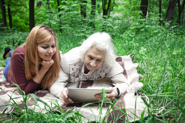 granddaughter grandmother taught to use technology