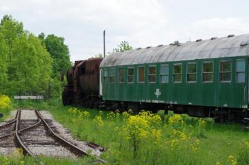 stary skład kolejowy