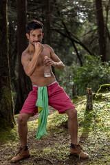 joven latino atletico