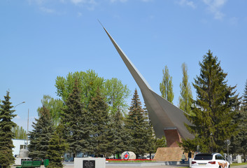 """KALININGRAD, RUSSIA - MAY 09, 2015: Monument to """"Pilots of Balti"""