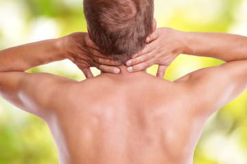 Schmerzen im Halswirbel