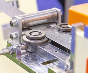 Rolling mill machine for rolling steel sheet