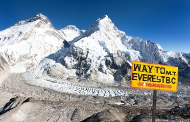 signpost way to mount everest b.c. and Mount Everest