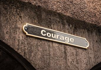 Strassenschild 43 - Courage