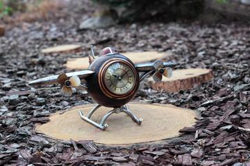 Clock. Airplane