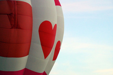 red heart hot air balloon