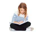 Fototapety girl reading book
