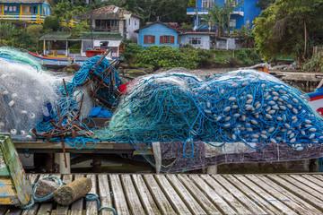 Trapiche e redes de pesca