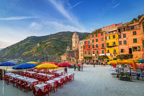 Foto op Canvas Mediterraans Europa Vernazza town on the coast of Ligurian Sea, Italy