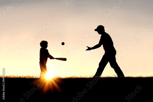 Poster Silhouette of Father and Son Playing Baseball Outside