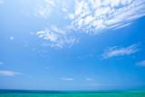 沖縄の海・青空と水平線