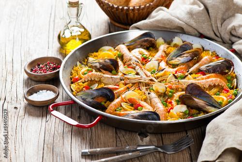 Poster Spanish seafood paella