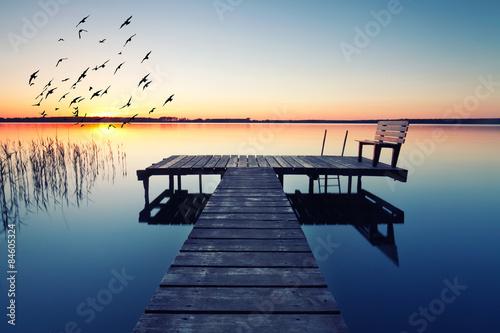 wieczorna idylla nad jeziorem