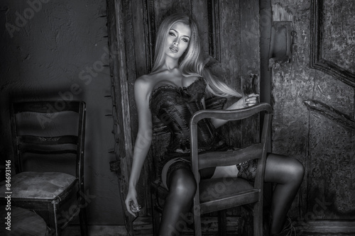 Elegant blonde sexy woman. © pawelsierakowski